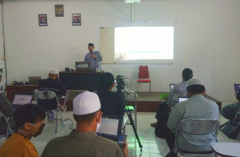 Sambut Era Perkuliahan Online, Divisi TI STDIIS Jember Beri Pelatihan Dosen