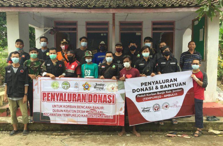 P3M STDIIS Jember Salurkan Donasi Kepada Korban Banjir Warga Tempurejo